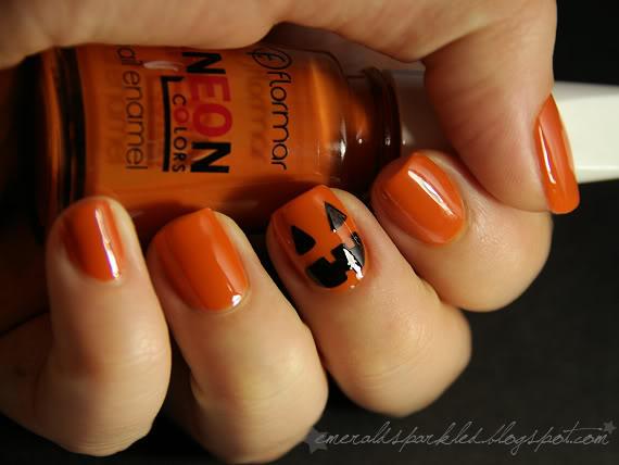 Pumpkin manicure halloween