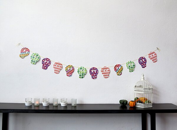 Skull garland halloween party decor