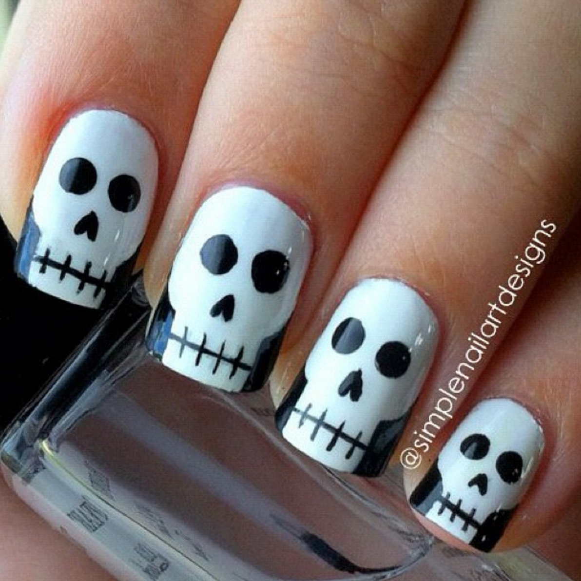 Skulls halloween nails diy