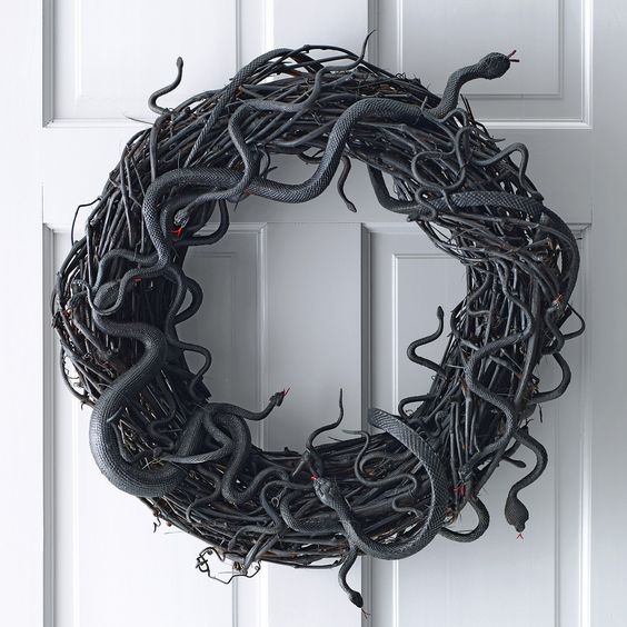 Snake wreath halloween decor party