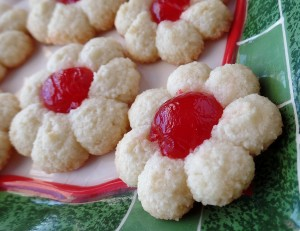 Almond cherry spritz cookies