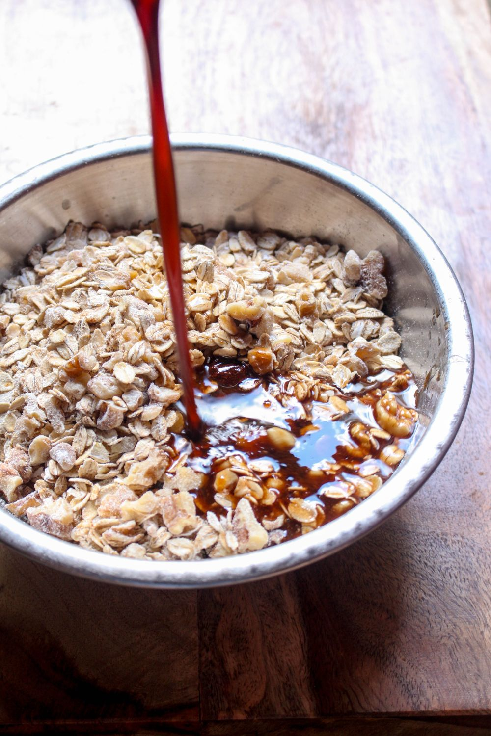 Caramel apple granola pour ingredients