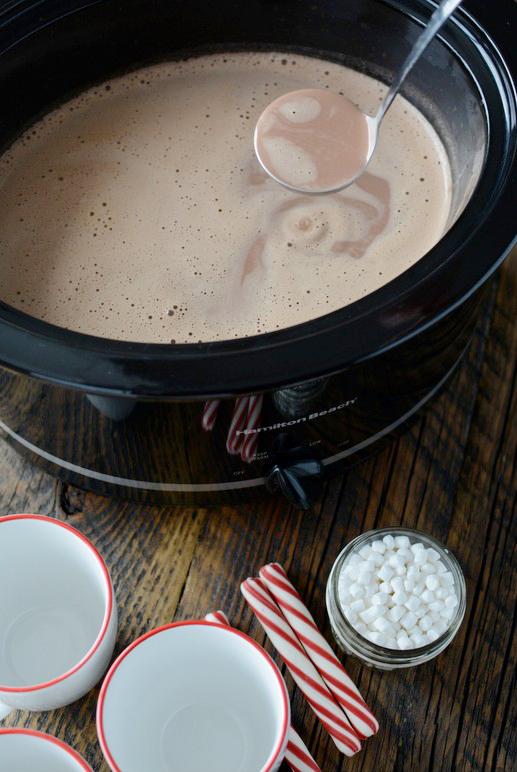 Creamy crockpot hot chocolate recipe
