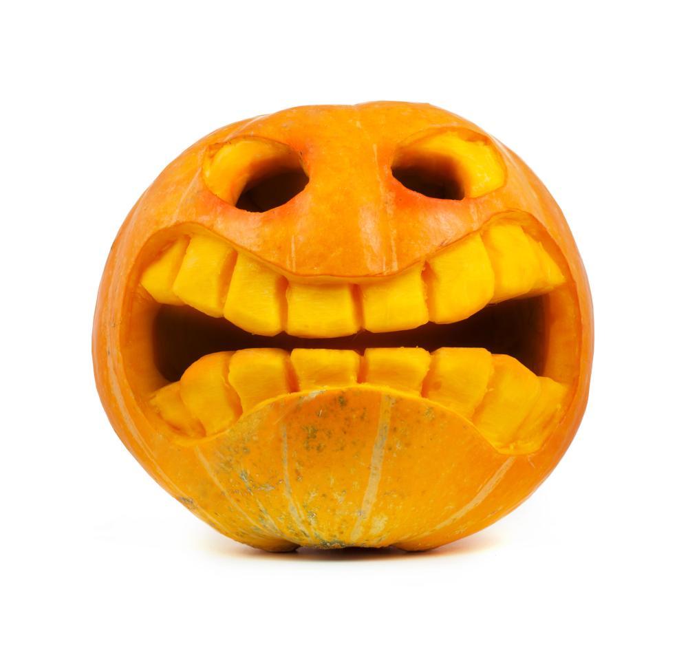 Creepy grin pumpkin carving