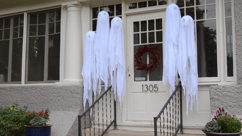 Diy halloween decoration haunted hanging ghosts