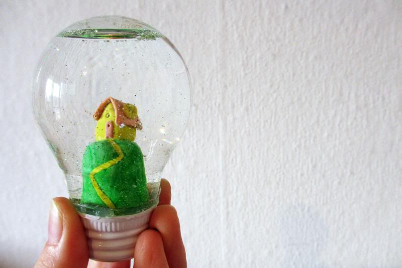 Diy light bulb snow globe