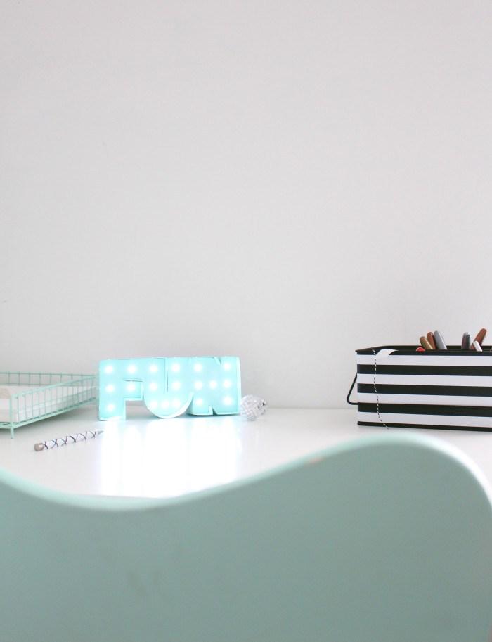 Diy mini desk marquee light