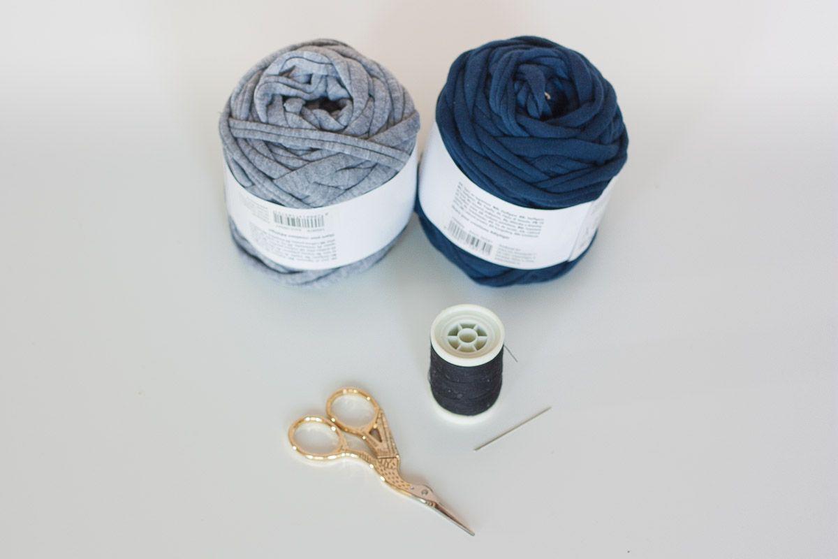 Diy no loom small mat supplies