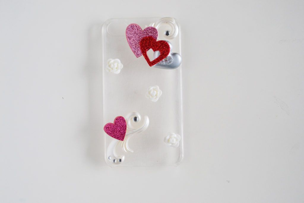 Diy rhinestone cellphone case glue