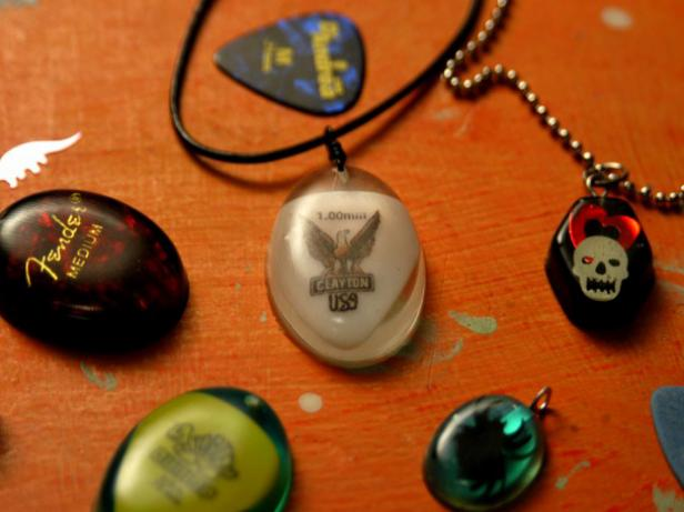 Diy rock music resin jewelry
