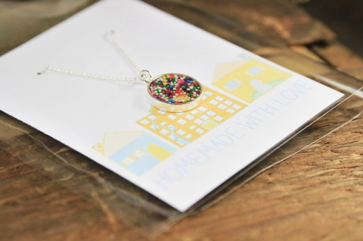 Diy sprinkle resin necklace