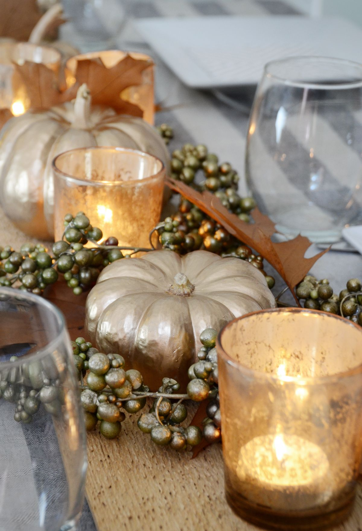 Diy thanksgiving table centerpiece pumpkin