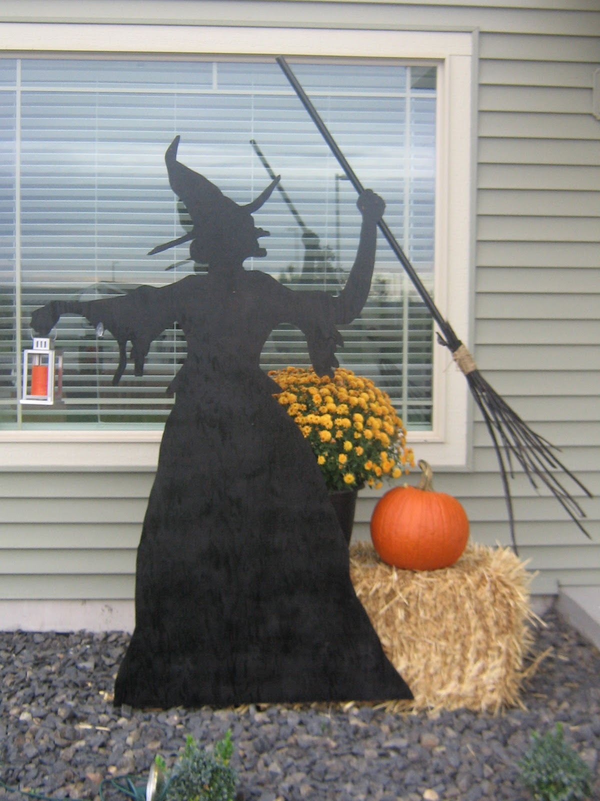 diy witch silhouette - Halloween Witch Decoration