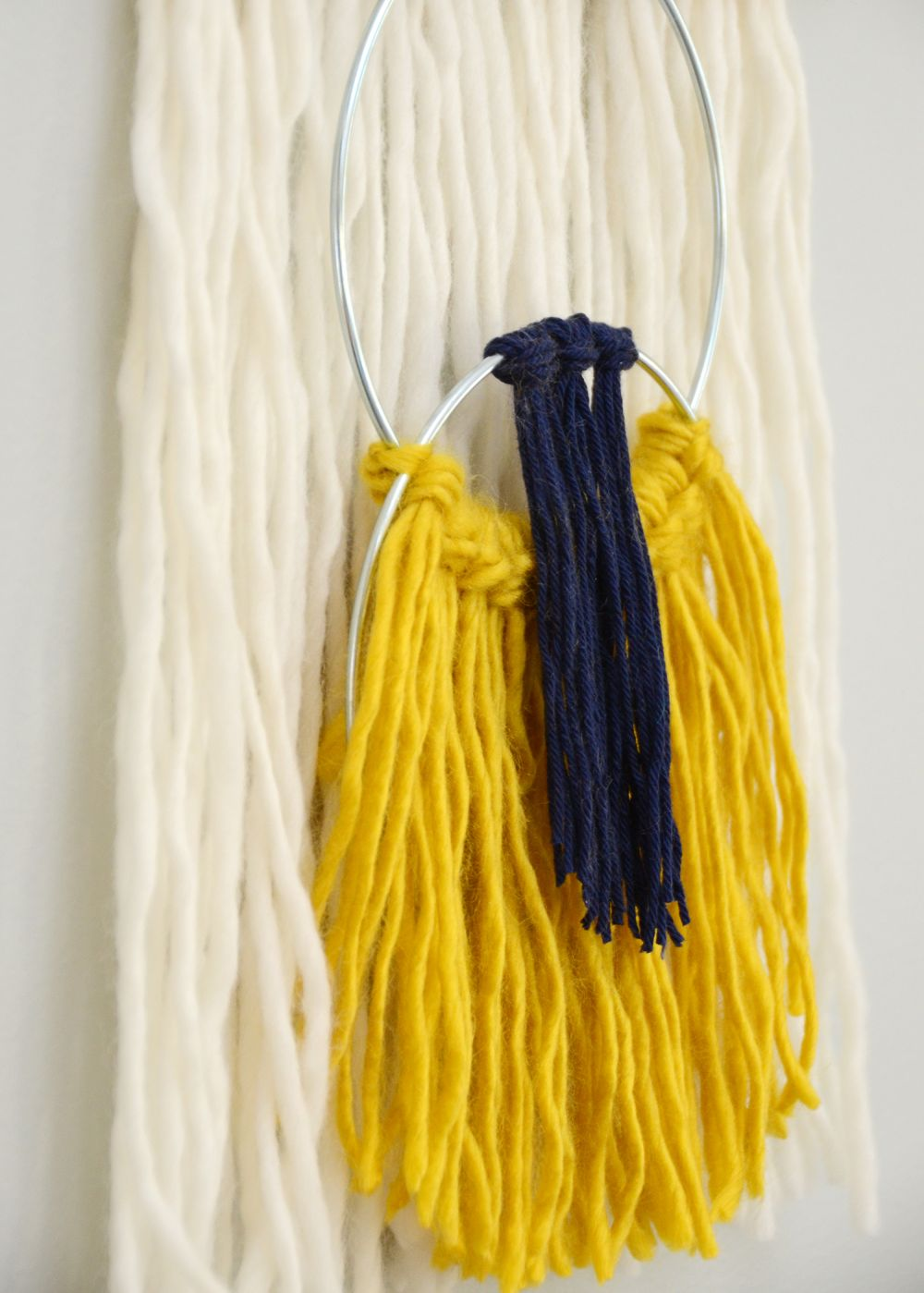 Easy Yarn Tassel Wall Hanging