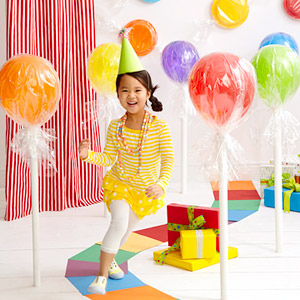 Giant balloon lollipops