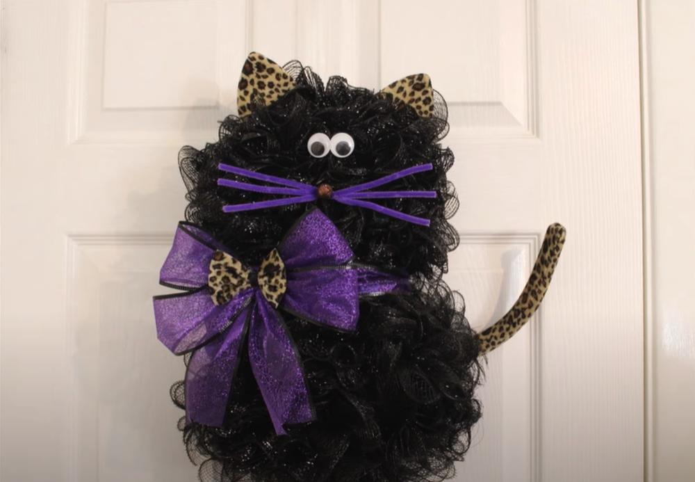 Halloween cat wreath