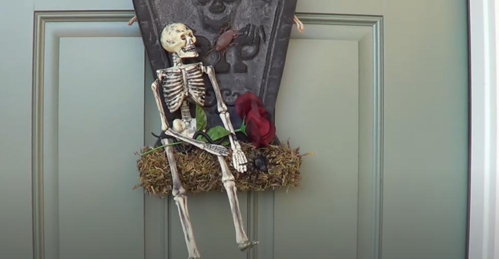 Halloween door decor skeleton hanger