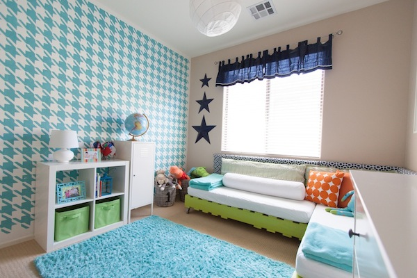 Houndstooth wall stencil