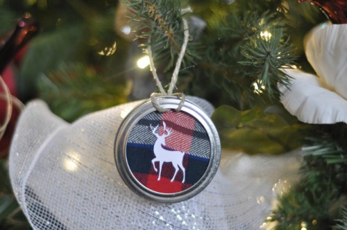 Mason jar lid ornament diy