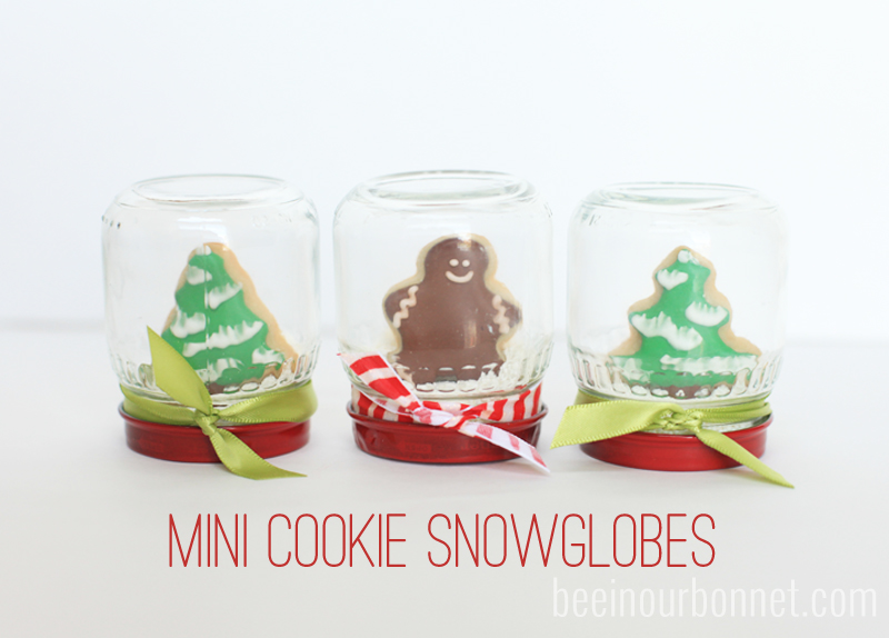 Mini cookie snowglobes