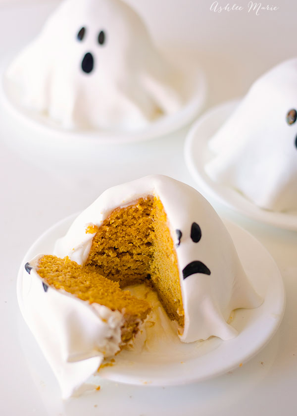Mini pumpkin ghost cake recipe