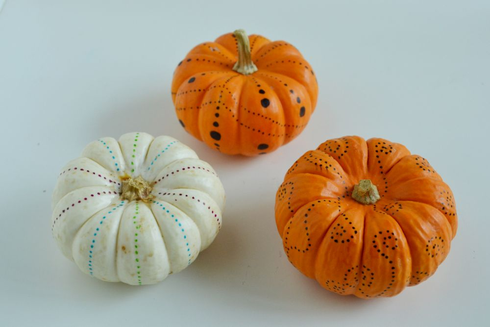 Mini simple pumpkin decorating for fall
