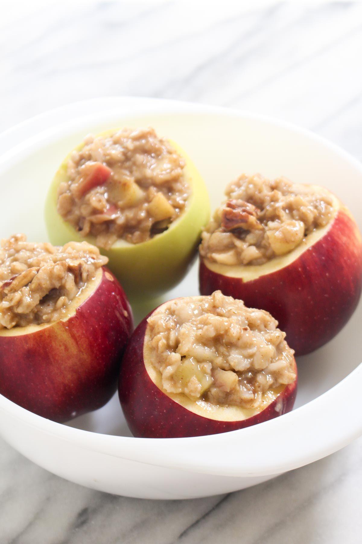 Oatmeal stuffed baked apples apples