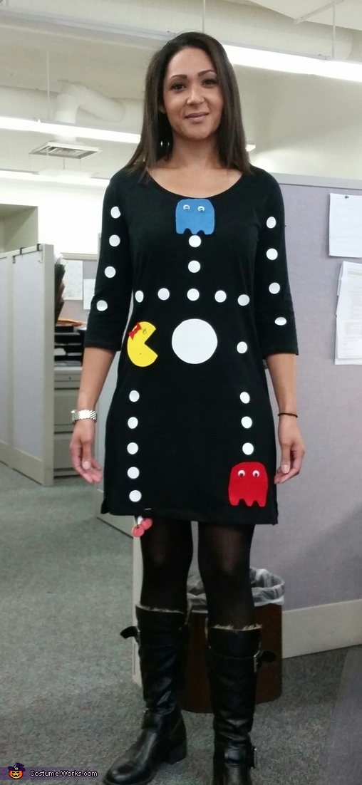Pacman game 80's outfit idea