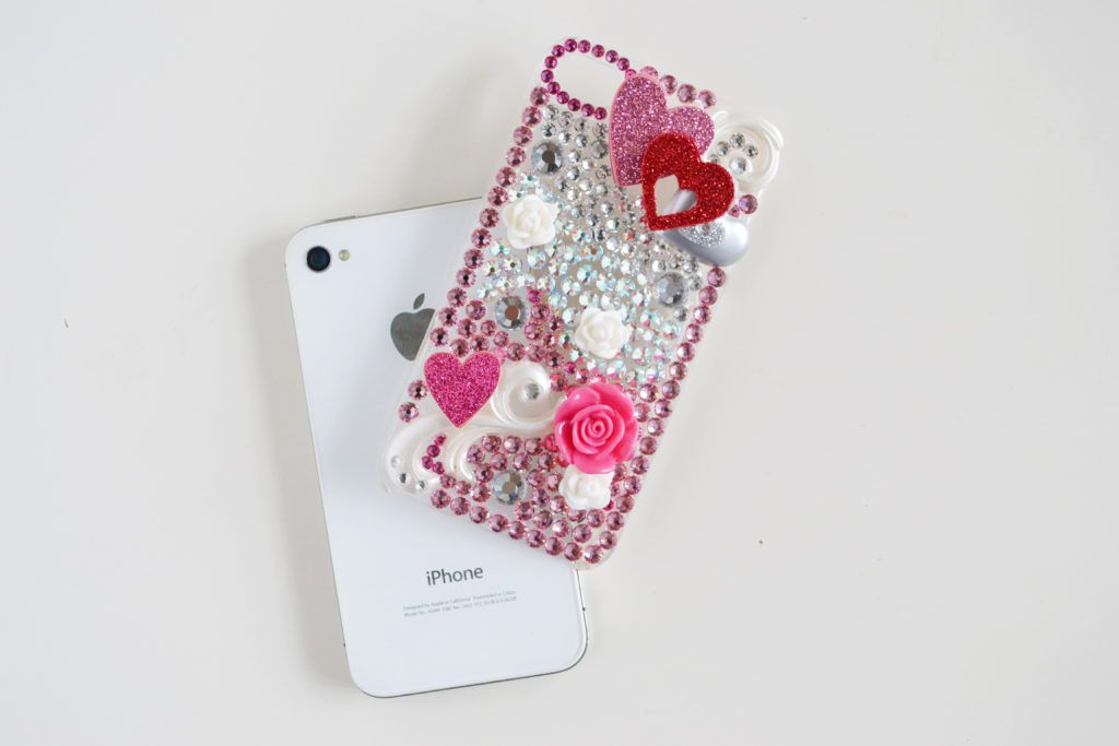 Rhinestone cellphone case diy