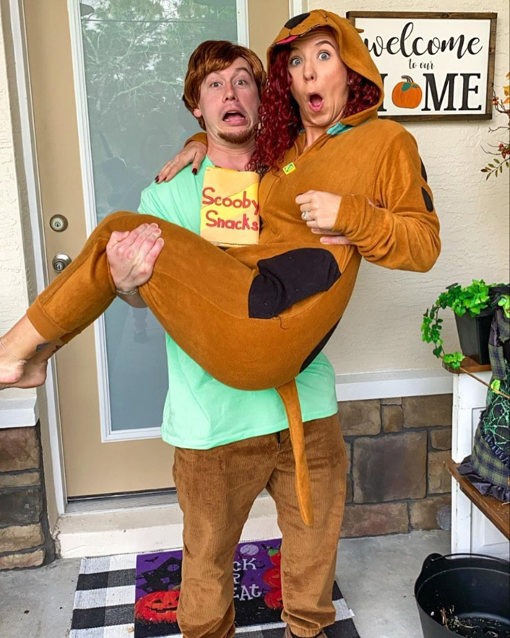 Scooby doo and shaggy cute couple halloween costumes