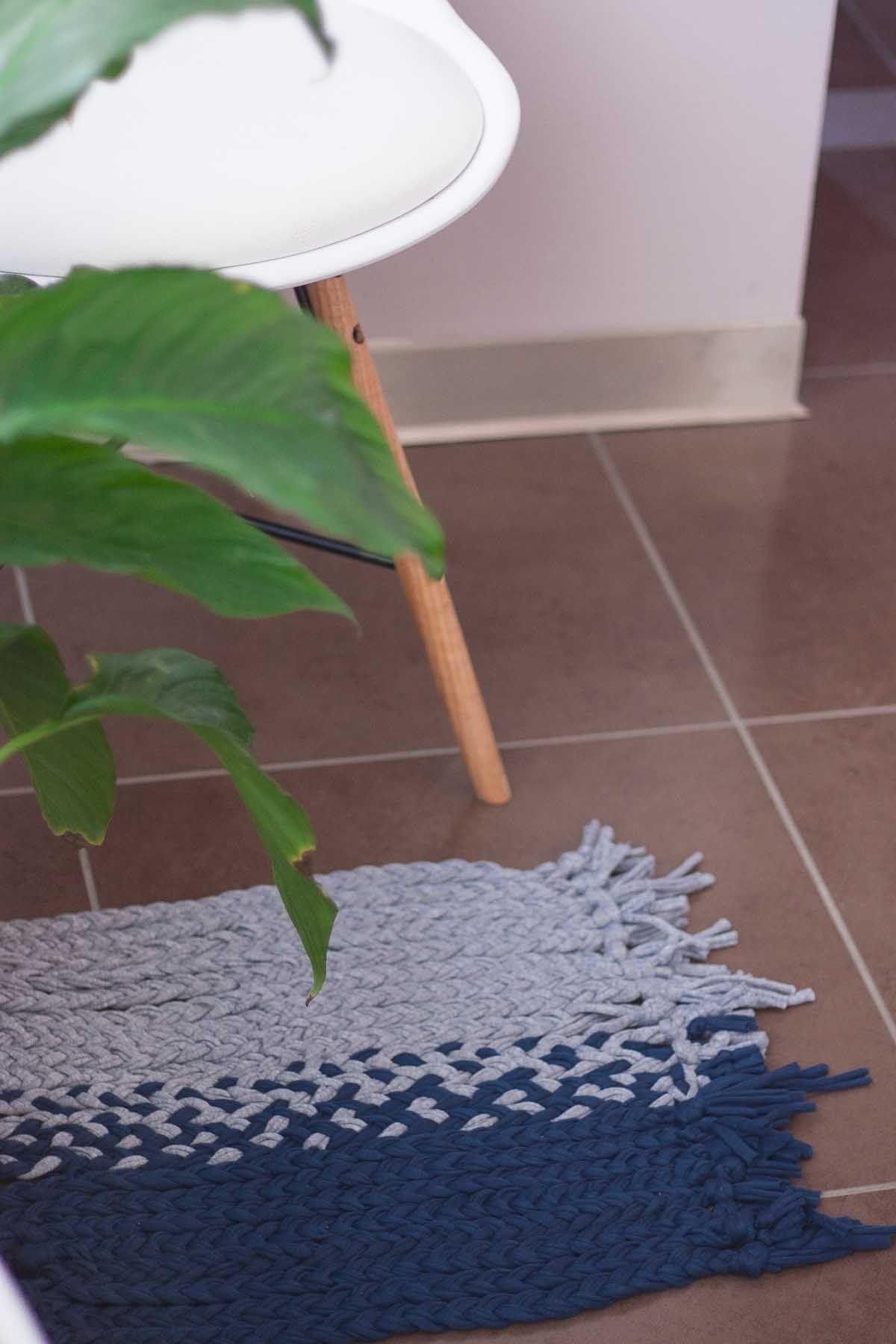 Simple diy no loom small mat
