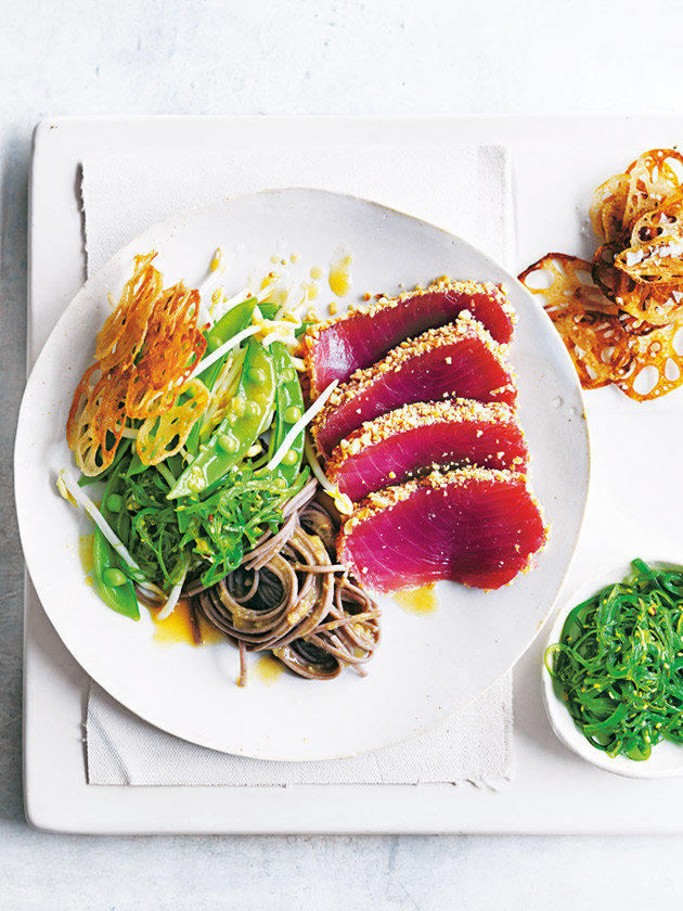 Tuna and soba noodle salad with lotus root chips