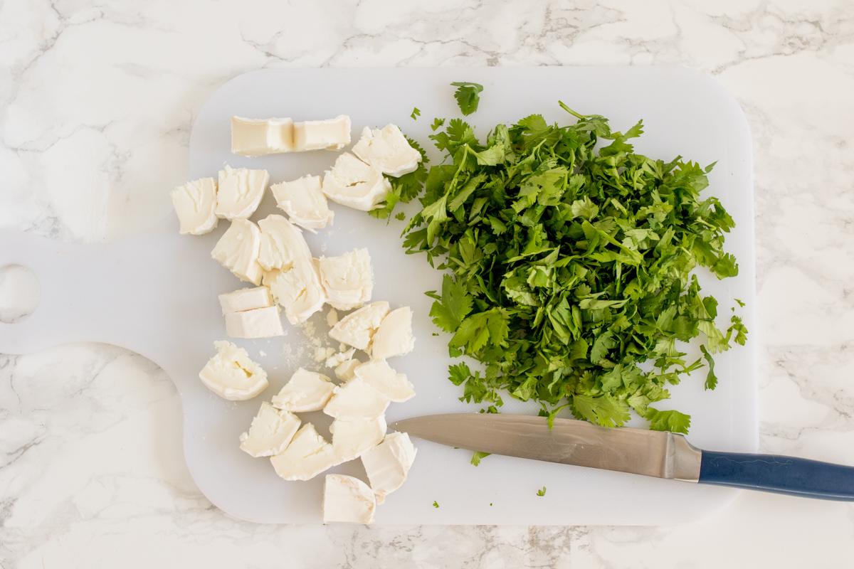 Теплый салат из козьего сыра и граната из киноа шаг 2