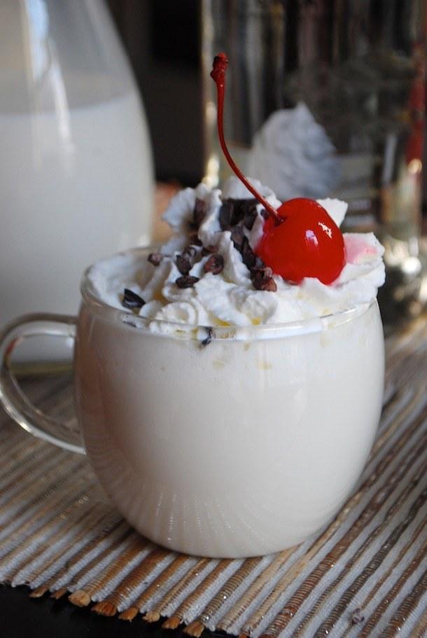 Whippe vanilla white hot chocolate
