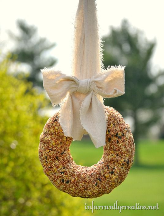 Birdseed wreath diy