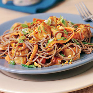 Chicken soba noodles with peanut sauce