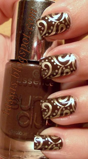 Chocolate brown gold thanksgiving nail art