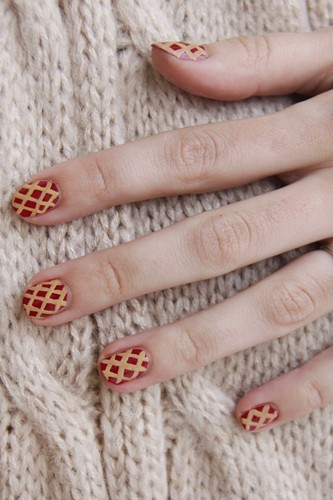 Criss cross grid nail art thanksgiving