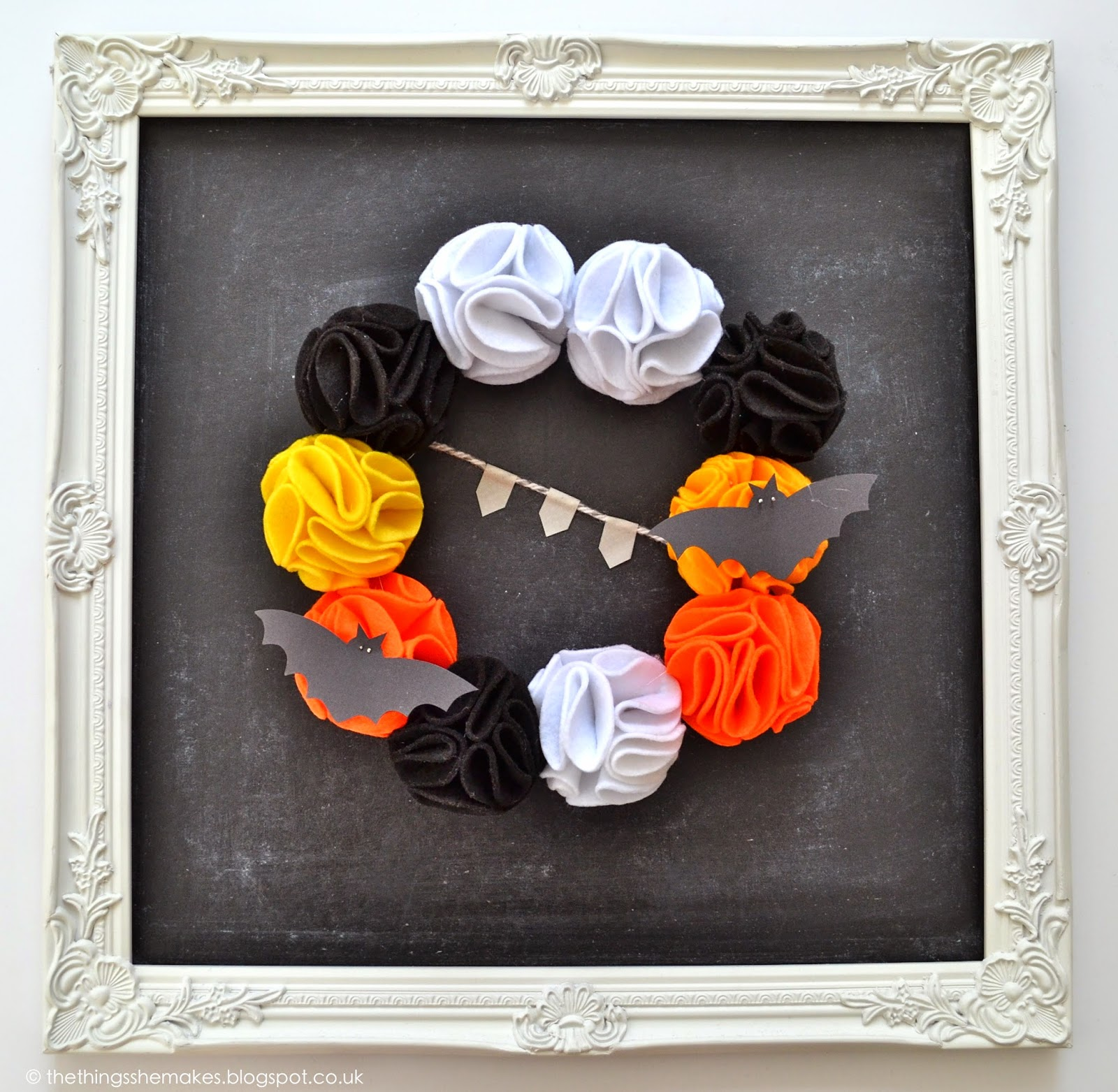 Diy halloween pom pom garlan