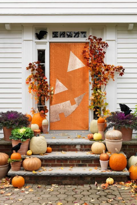 Diy pumpkin face door decor