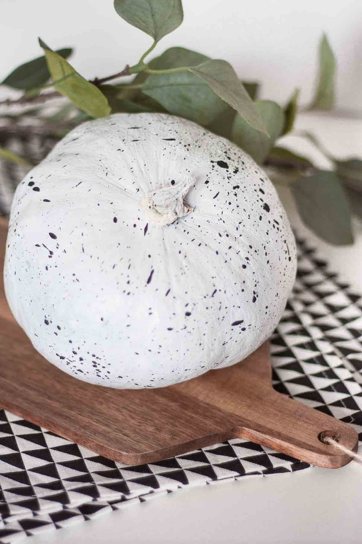 Diy pumpkin splatter home decor 10