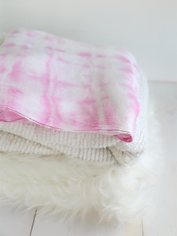Diy tie dye swaddle blanket