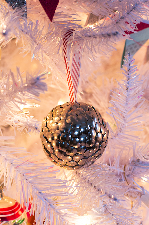 Thumbtack ornament diy