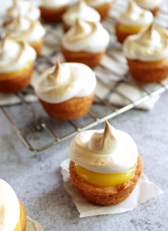 Two bite lemon meringue pies