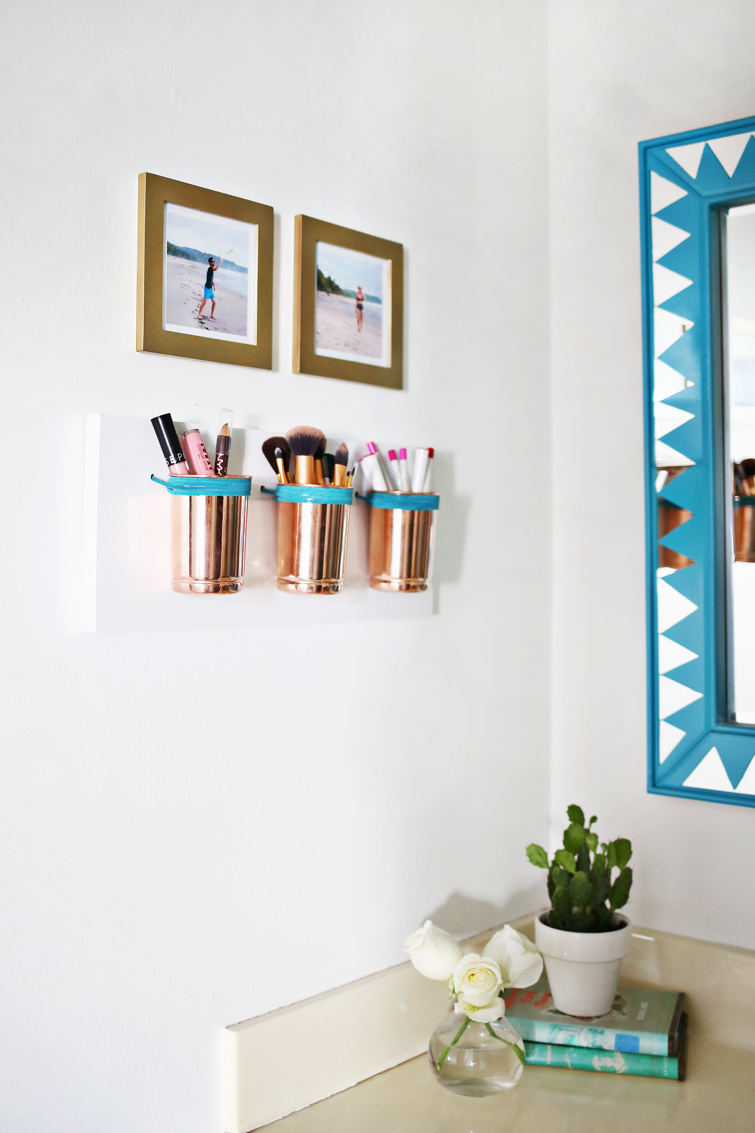 Wall Mounted Bathroom Storage Cups