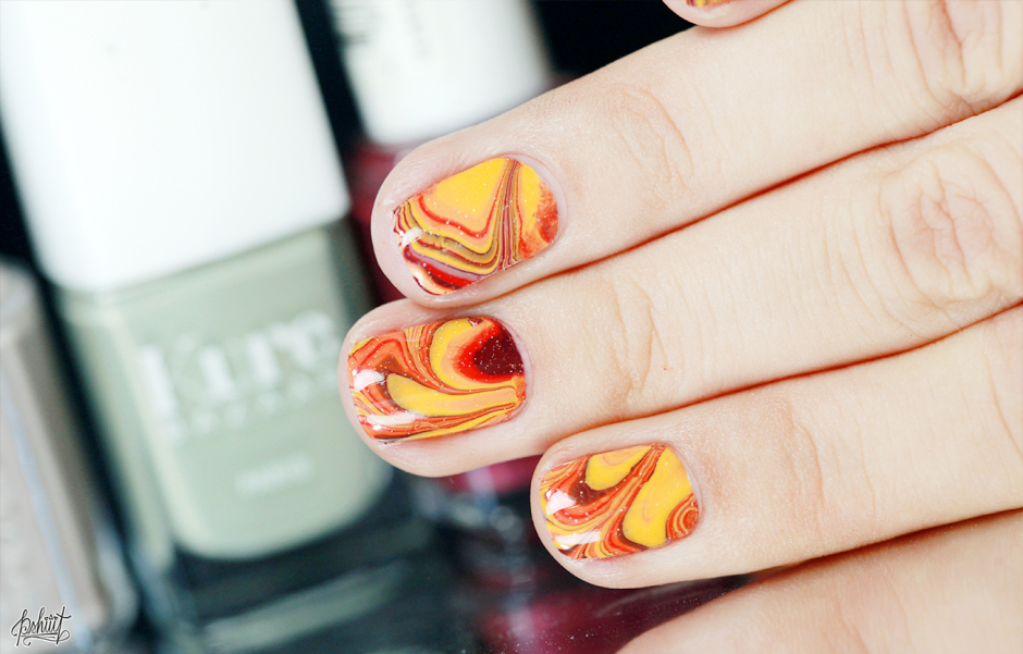 Autumn marble nails