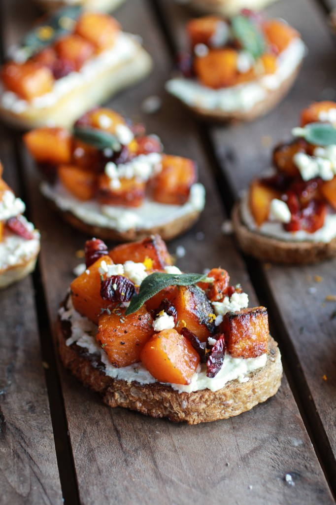 Caramelized butternut squash and gorgonzola crostini 5 682x1024