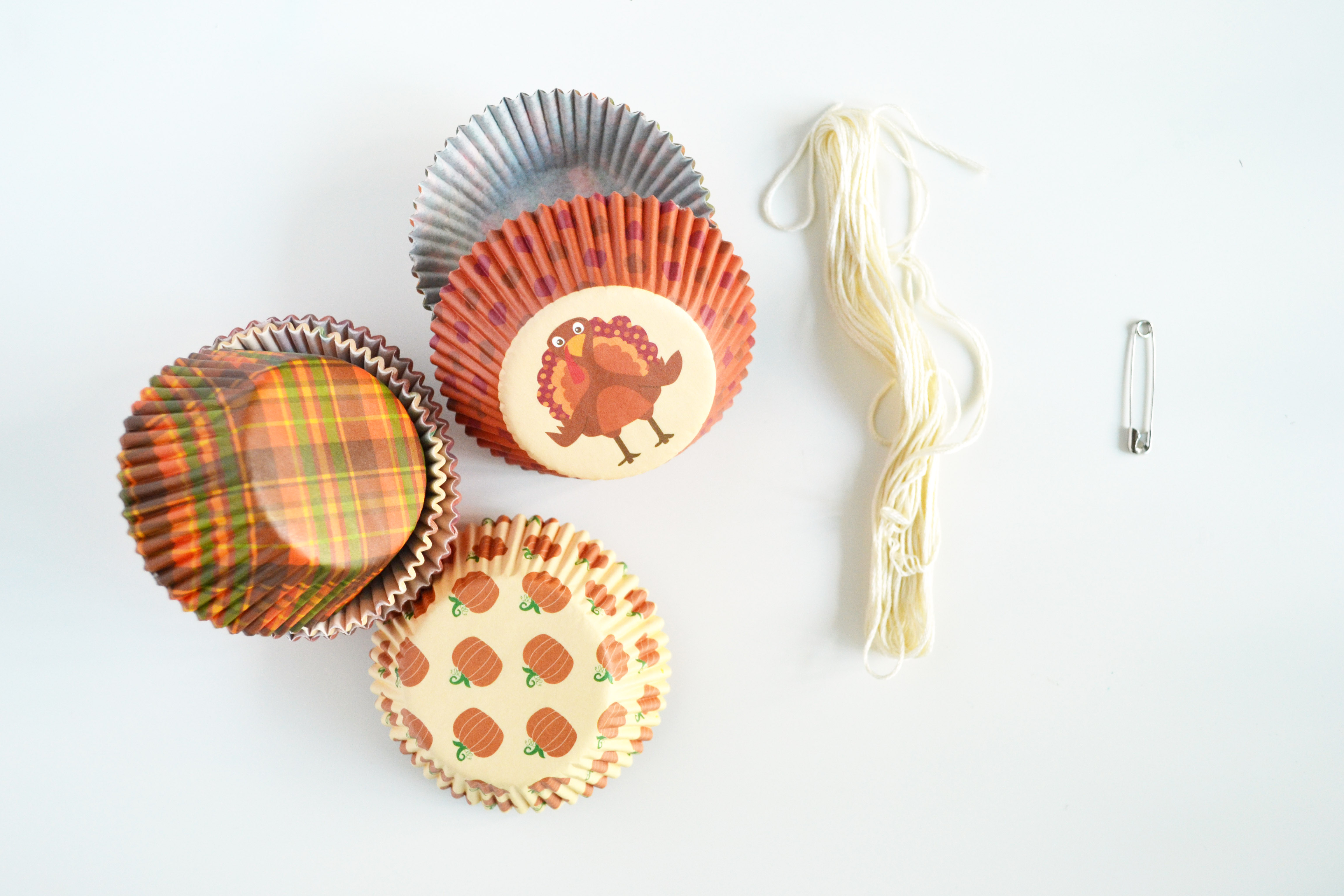 Cupcake liner garland materials