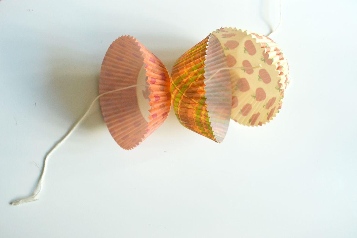 Cupcake liner garland rope