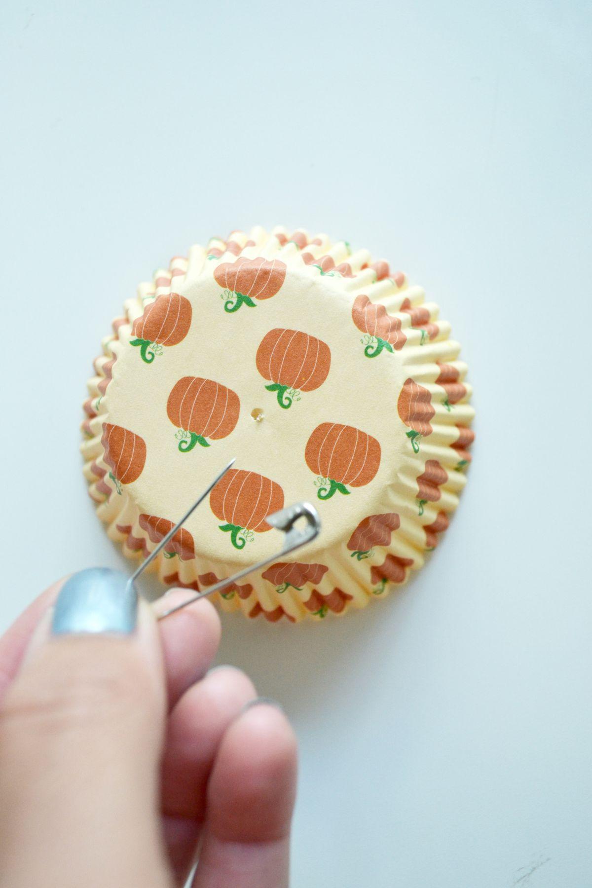 Cupcake liner garland step 1